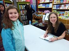 Chelsea-Clinton-signs-hundreds-of-new-kids-books-at-WCF