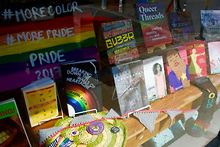 BOOKS-Some-of-Chicagos-LGBTQ-friendly-book-clubs