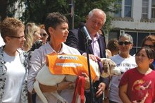 Lesbian-couple-campaigns-against-puppy-mills