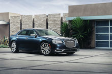 VEHICLE-REVIEWThats-so-gay-2015-Chrysler-300-big-and-butch-as-you-are