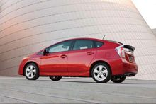 AUTOS-VEHICLE-REVIEW-2015-Toyota-Prius-A-handsome-economical-dullard