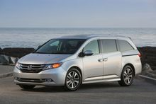 AUTO-REVIEW-2016-Honda-Odyssey-minivan-sturdy-if-not-the-prettiest-minivan