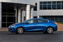 VEHICLE-REVIEW-2016-Chevy-Volt-Nice-if-theres-a-garage-to-charge-
