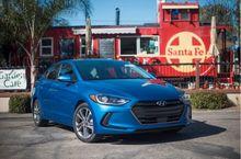 AUTOS-VEHICLE-REVIEW-2017-Hyundai-Elantra-Less-swoopy-more-suave