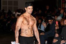 STRUT-show-marks-World-AIDS-Day