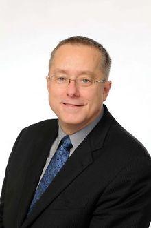 Dr-Terry-Vanden-Hoek-on-medical-award-Dr-Tamara-ONeal