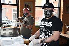 2Bears-Tavern-Group-prepares-community-meals