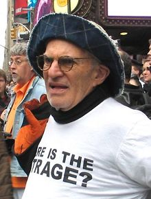 LGBT-giant-Larry-Kramer-dies-at-84