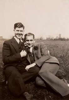 Loving-The-Exhibition-A-Photographic-History-of-Men-in-Love-1850s-1950s