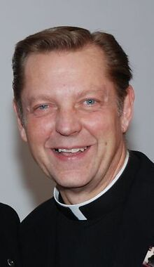 Pfleger reinstated at South Side church after investigation
