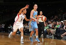 Courtney-Vandersloot-wins-WNBA-Eastern-Conference-Player-of-the-Week-