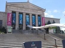 VISIT-Shedd-Aquarium-has-many-attractions-one-distraction