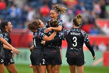 Chicago-Red-Stars-defeat-Houston-2-1-thanks-to-two-own-goals