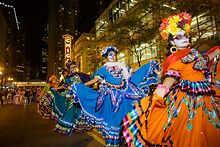 Chicagos-holiday-cultural-and-arts-events-to-reopen-for-in-person